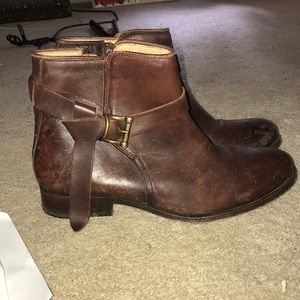 NWOT brown leather Frye boots